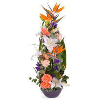 Vertical centrepiece of Orange Shades
